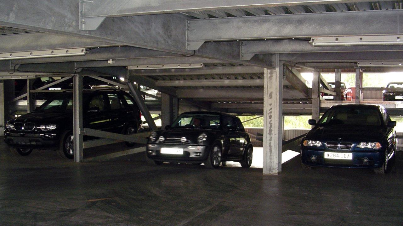 Steel Framed Cars : Steel framed multi storey car park design parking lot